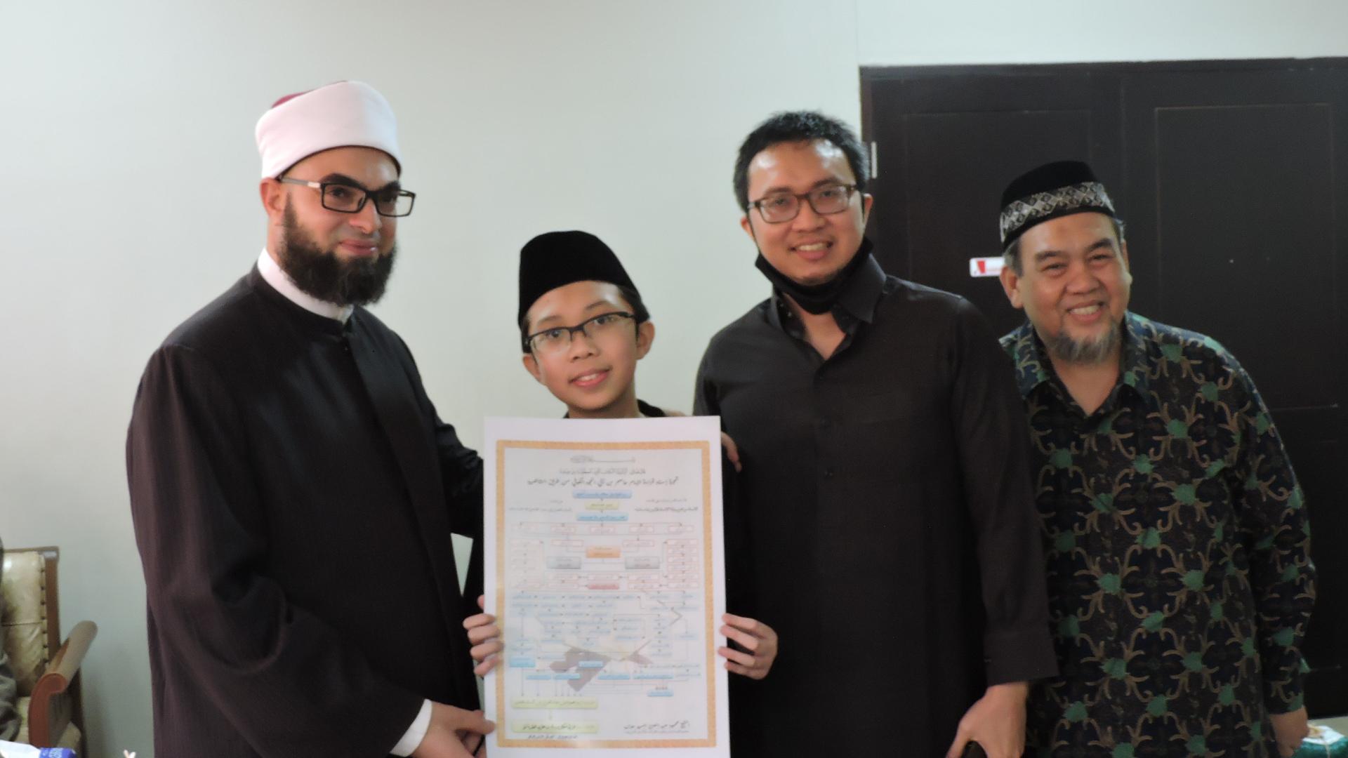Siswa SMP Azhari Memperoleh Ijazah Bacaan Al Qur'an